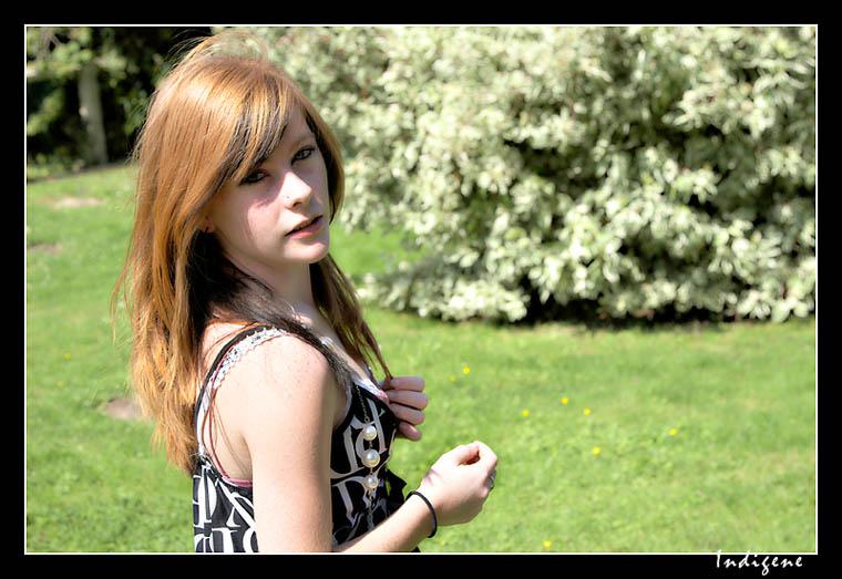 Cindy dans le jardin public