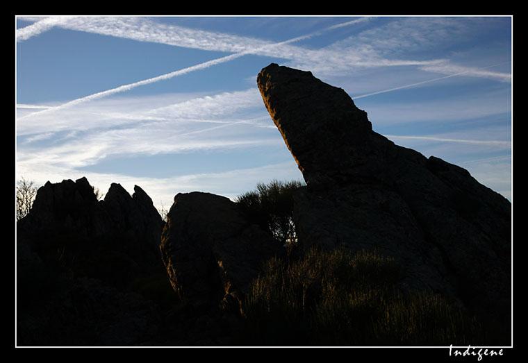 Des rochers dressés vers le ciel