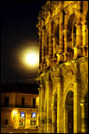 photo Les arènes au clair de lune