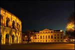 photo Les arènes et le palais de justice