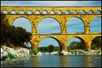 photo La pierre dorée du Pont du Gard
