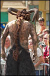 photo L'homme mouflon effraye la foule