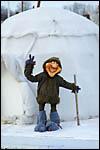 photo L'esquimau devant son igloo