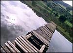 photo Le lac et la passerelle