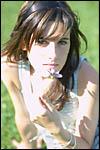 photo Maëva et la fleur des champs